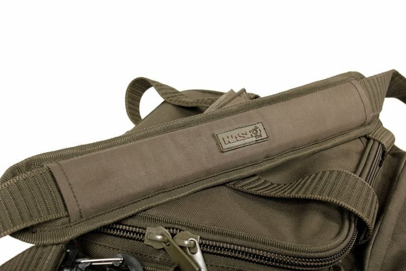 Compact Carryall with a heavy duty waterproof-stiffened base image 3